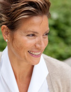 DanaeJohnson-headshot-cropped-500px